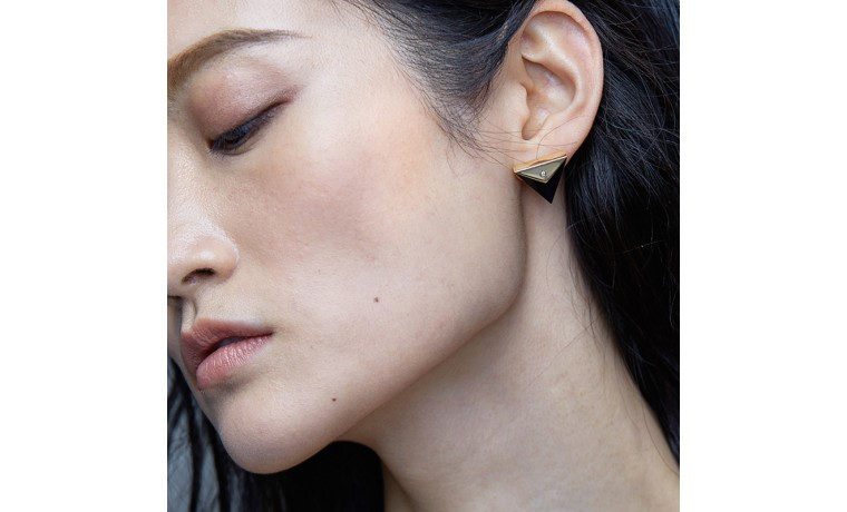 CHIC PYRAMID EARRINGS